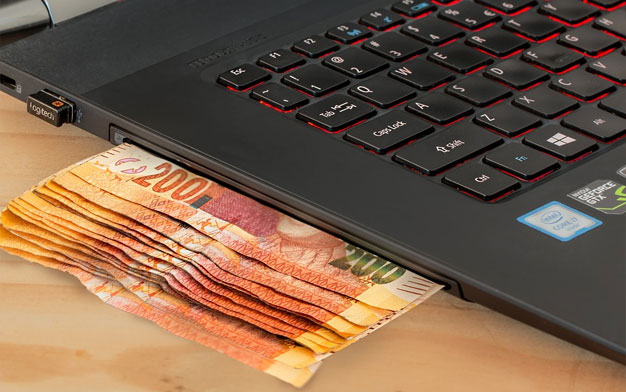 money laptop - Top Tips for Online Baseball Betting